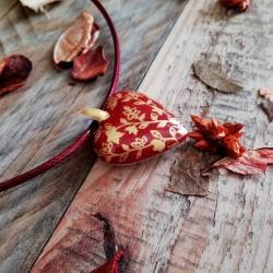 collier cœur porcelaine limoges rouge et or