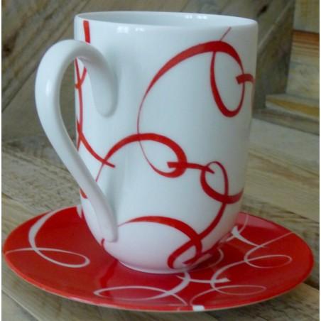 mug porcelaine entrelacs rouges