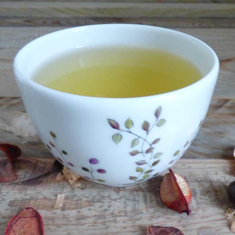 Petit bol thé en porcelaine fine de Limoges collection Brindille