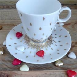 Tasse à café en porcelaine fine de Limoges décor or