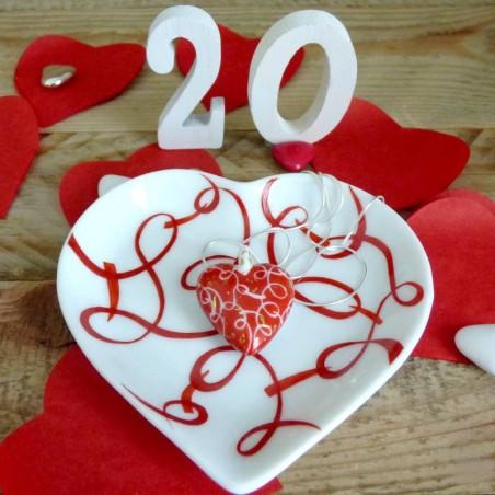 Cœur de porcelaine décor ruban rouge passion- cadeau personnalisé