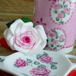 Repose sachet de thé porcelaine décor roses vintage