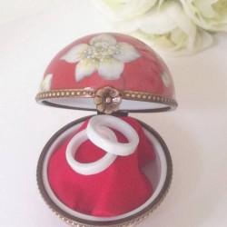 boite boule porcelaine de Limoges , écrin pour bijoux ou alliance