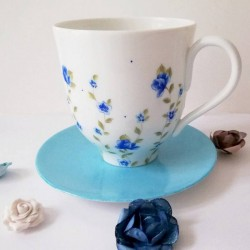 Grande tasse mug porcelaine fine décor fleur liberty bleu