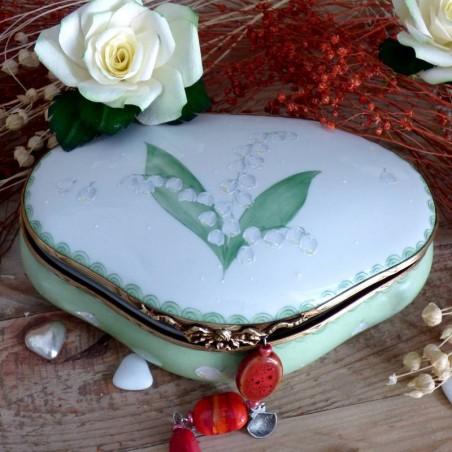 coffret boite en porcelaine de Limoges décor muguet peint à la main