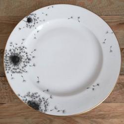 Assiette de table en porcelaine de limoges décor pissenlit soufflé et or