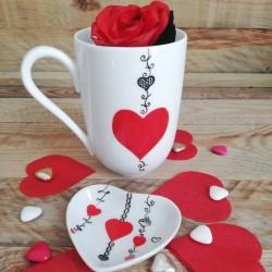 Mug porcelaine de Limoges décor cœur rouge et dentelle noire