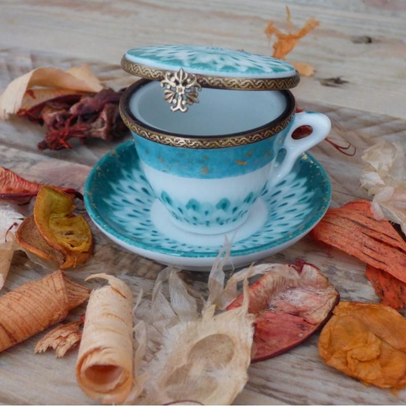 boite pilules porcelaine tasse thé miniature