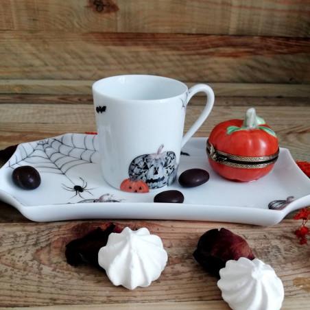 Tasse et plateau pour un café groumand décor halloween
