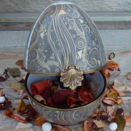 Boite œuf porcelaine fine, histoire d'or . arabesque et or