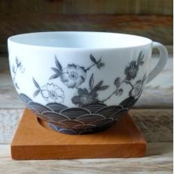 tasse thé porcelaine décor fleurs de cerisier