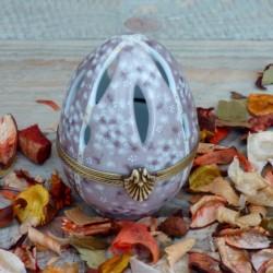 œuf porcelaine diffuseur de parfum beige et or