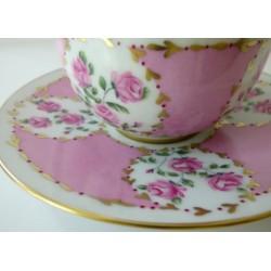 tasse café porcelaine fine roses classiques et or
