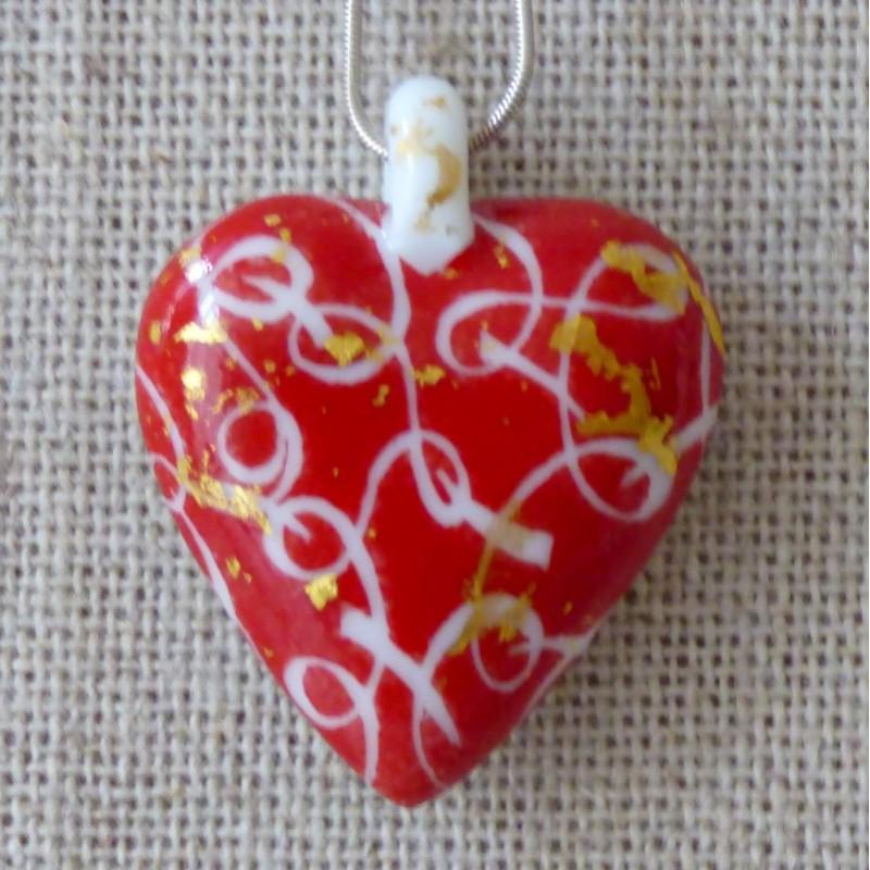 collier coeur rouge porcelaine ruban et or