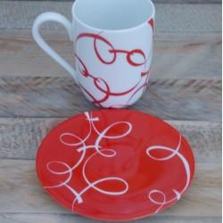mug et assiette porcelaine fine rouge vif peint main