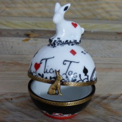 Round box ring bunny rabbit...