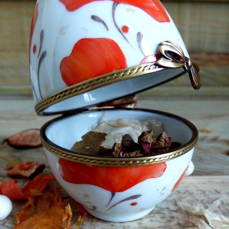 Oeuf porcelaine décor passion coquelicot