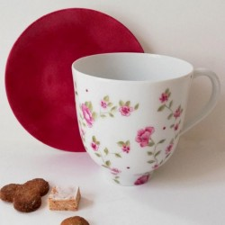 Porcelain breakfast mug with pink liberty design
