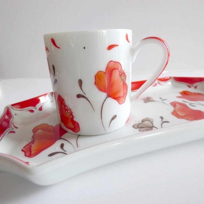 Tasse cafe gourmand porcelaine décor coquelicot rouge