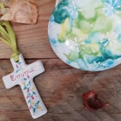 Croix porcelaine baptême naissance avec prénom