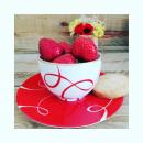 Le bonheur est dans mon petit bol... Les 1ères fraises sont là. Le goûter est prêt... Une petite pause s'impose donc. Merci @lepicerie2pauline