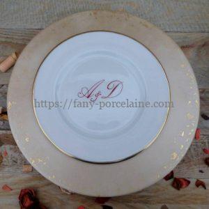 Assiette porcelaine filet or et initiales couleur
