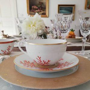 service de table assiette porcelaine décor corail et or - Limoges