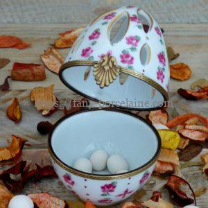 diffuseur de parfum porcelaine - Oeuf décor roses classiques