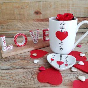 mug porcelaine fine, décor coeur rouge et dentelle noire peint à la main made in france