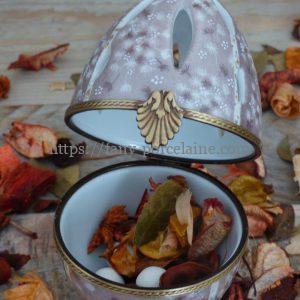 boite oeuf porcelaine ajourée diffuseur de parfum