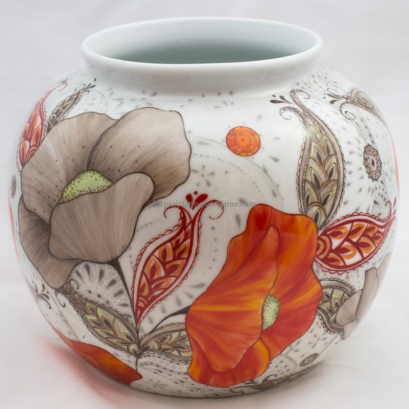 vase boule porcelaine de Limoges décor coqelicots - Pièce unique