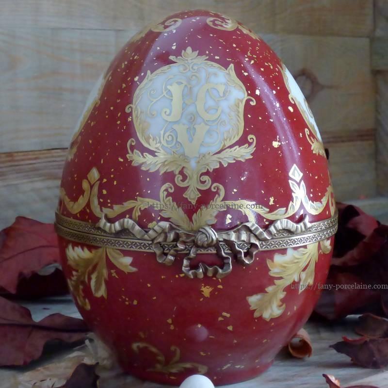 boite oeuf porcelaine de Limoges décor peint sur mesure cadeau personnalisé