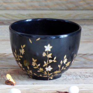 bol thé japon en porcelaine noire et or
